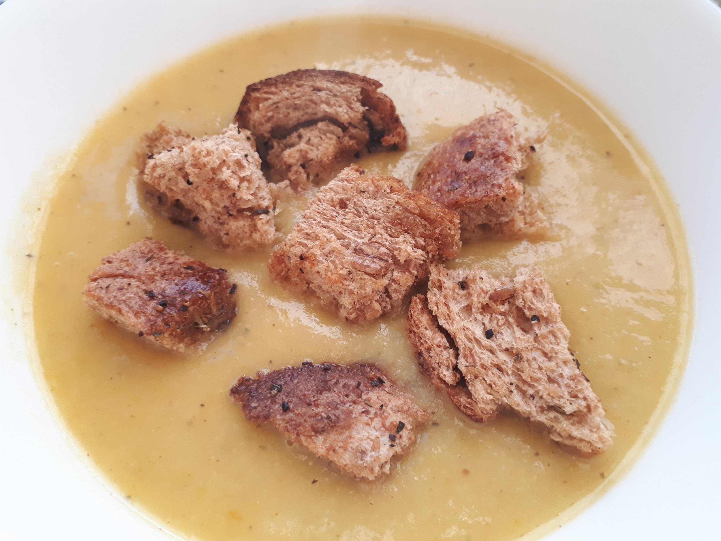 Krem z porów (wersja wegańska) – zdrowa, pożywna, dietetyczna zupa!